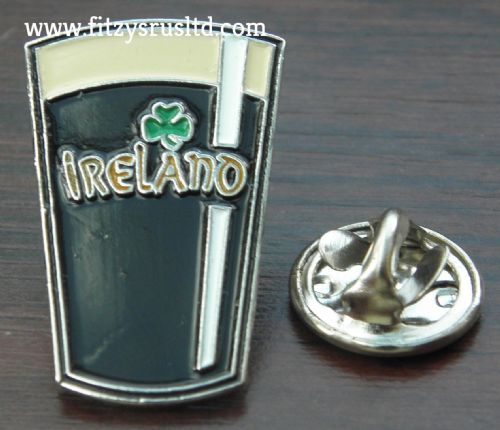 Guinness Ireland Shamrock Lapel Hat Tie Cap Pin Badge Breweriana Brooch Souvenir